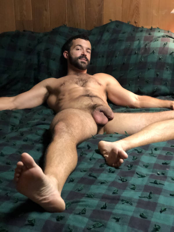 Yummy guy gets his ass stretched